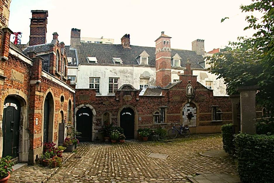 Blog post Antwerp begijnhof bewerkt